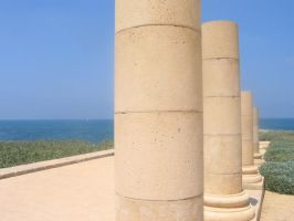 Columns by redglassfire