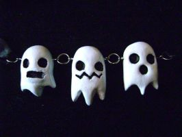 3 ghosts necklace by MissNicka