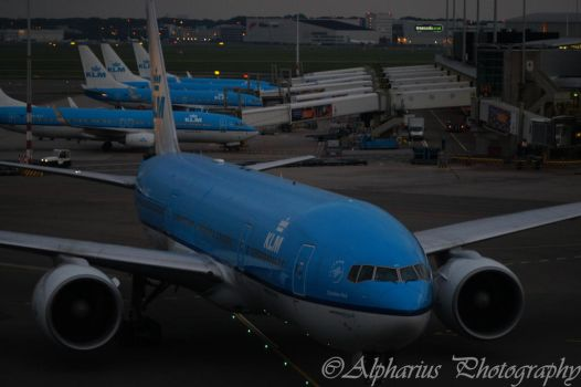 Schiphol Airport 6 by Alpharius-Omegon