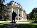 Winston Churchill statue at Petit Palais by EUtouring