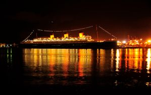 The Queen Mary by AndySerrano