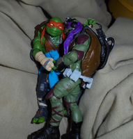 MIKEY AND DON: CUDDLES by TMNTFAN85