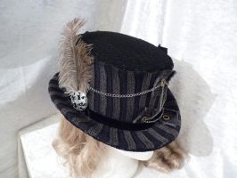 chain gray top hat by Serata