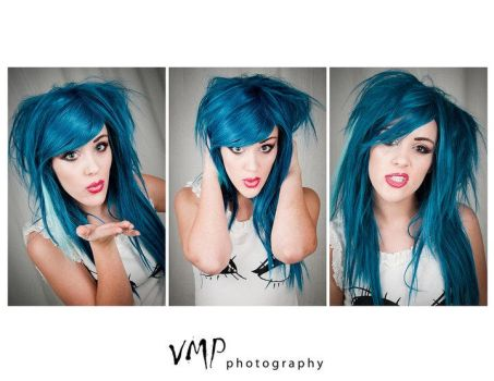 Blue Hair, Don't Care by LilyLeRoi