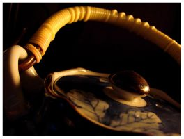 teapot by night by moodyline