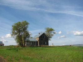 Creeky Old Farmhouse II by FoxStox