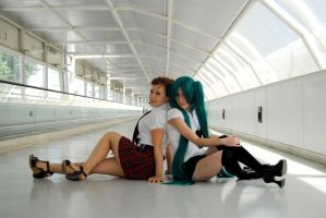 Miku and schoolgirl XD by SaberNiphon