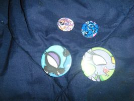 Chicago ComicCon Loot -   Spyro's Buttons by InsaneSpyro