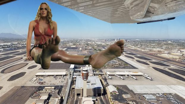 Attack of the 5,000ft Cheerleader by ilikemercs