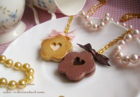 Cream Cookie  necklace by Nika-N