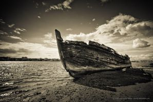 Old Boat by jpgmn