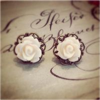 Ivory Victorian Filigree Roses by MegamiMoon