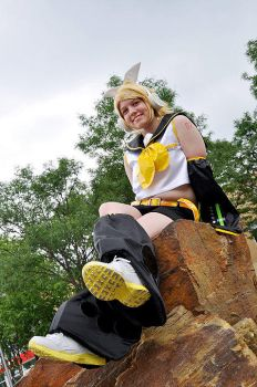 Vocaloid: Rin Kagamine by rose-of-battle