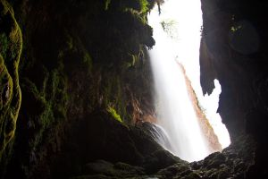 Waterfall Cave by Ijgg