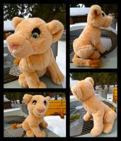 Large Hallmark Nala For Sale by DoloAndElectrik