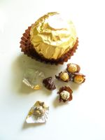 Micromini Ferrero Rocher by margemagtoto