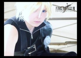 Cloud Strife - FF AC by JunAkera
