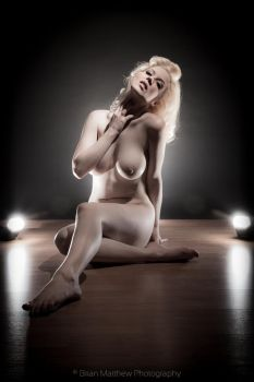 Erotic Speedlite Nude by BrianMPhotography