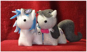 Commission - Itsy-Ponies - Unlikely Friends by mihoyonagi