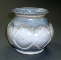 circled vase by cl2007