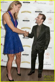 Super tall woman and James Van Der Beek by lowerrider