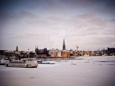 Stockholm has gone Cold by fnyk