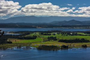 Iveagh Bay by Mikelyjohnsono