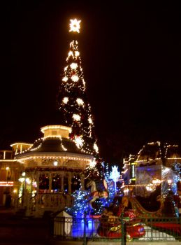 XMas at Disneyland Paris by Florine