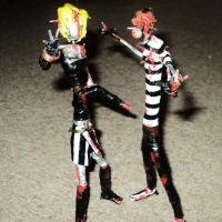 ZOMBIE COUPLE in wire I by TheWallProducciones