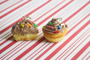 polymer clay best friend cupcakes by l337Jacqui