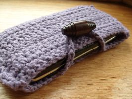 Cell phone cozy by LiebeTacos