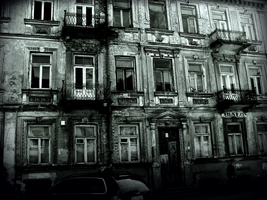 Old tenement by LongmanPL
