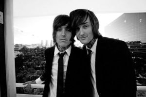 Mitch Lucker and Oli Sykes by Xerlash