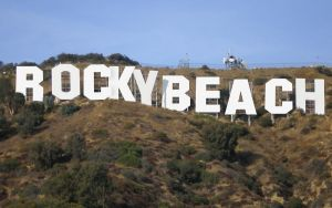 Rocky-Beach Hill by Freacore