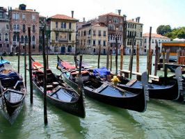 the famous gondolas by puddlz