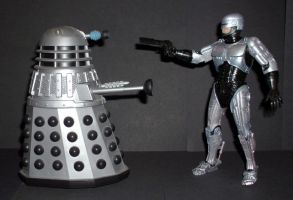 Dalek vs Robocop by CyberDrone