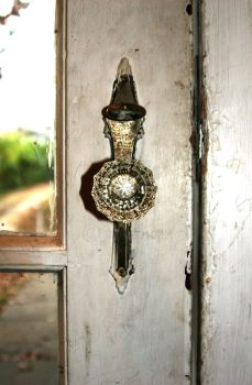 The Entry Knob by at0mica