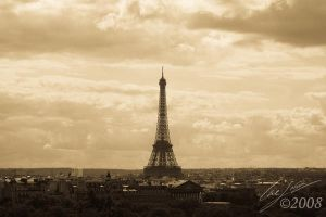 Eiffel Tower Clear by CasePhoto