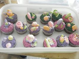 easter cupcakes by xpeacexlovexartx
