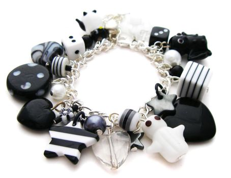 Small Black + White Bracelet by fairy-cakes
