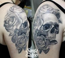 Skull and Roses by santatatoo