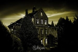 abandoned house by abylick