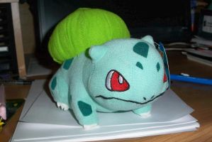 I got a Bulbasaur, Wee by Starimo