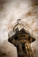 Whitby lighthouse by blackthorn100