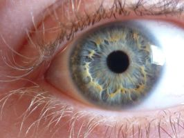 A picture of my eye (how original) by malibar1