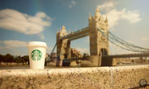 Starbucks Tower Bridge by davidstolarik