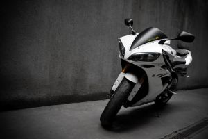 Yamaha R1 _5_ by schwepes