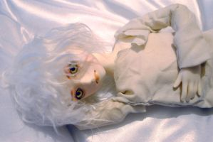 NAMING MY NEW DOLL -gold eyes- by kirsten7767
