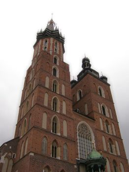Mariacki church in Cracow by mysterious-one