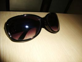 Sunglasses by Laura-in-china